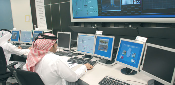 CNA-Qatar training its students on ExplainMedia's 3D Virtual Reality simulators